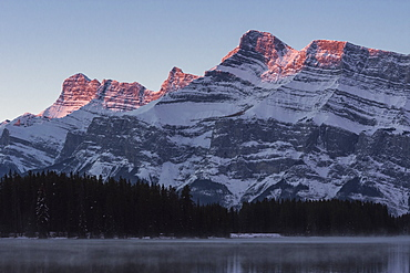 Two Jack Lake sunrise with Mount Rundle, Banff National Park, UNESCO World Heritage Site, Alberta, Canadian Rockies, Canada, North America
