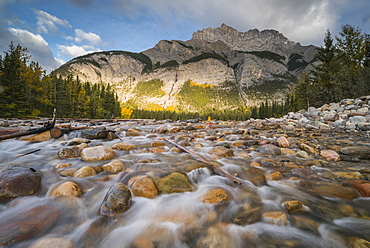 Cascade Mountain in autumn with stoney creek, Banff National Park, UNESCO World Heritage Site, Alberta, Rocky Mountains, Canada, North America