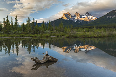 Three Sisters sunrise at Policeman Creek, Canmore, Alberta, Canadian Rockies, Canada, North America