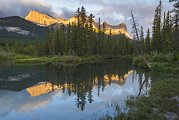 Ha Ling Peak sunrise at Policeman Creek, Canmore, Alberta, Canadian Rockies, Canada, North America