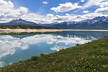 Abraham Lake in Spring, Banff National Park and Kootenay Plains, Alberta, Canadian Rockies, Canada, North America