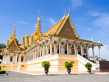 The throne hall at the Royal Palace, Phnom Penh, Cambodia, Indochina, Southeast Asia, Asia