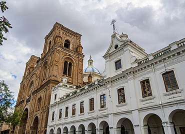 Cathedral of the Immaculate Conception and San Luis Seminary, Calderon Park, Cuenca, Azuay Province, Ecuador, South America