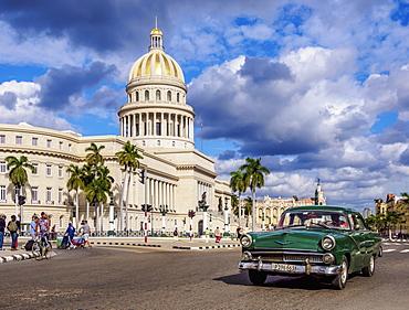 Vintage car at Paseo del Prado and El Capitolio, Havana, La Habana Province, Cuba, West Indies, Central America