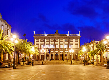 City hall at dusk, Plaza de Santa Ana, Las Palmas de Gran Canaria, Gran Canaria, Canary Islands, Spain