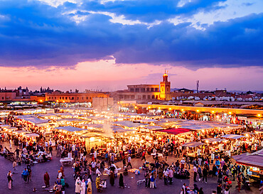 Jemaa el-Fnaa (Jemaa el-Fna) at dusk, square and market in the Old Medina, UNESCO World Heritage Site, Marrakesh, Marrakesh-Safi Region, Morocco, North Africa, Africa