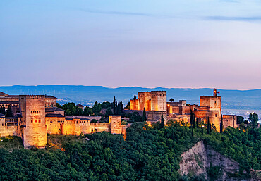 The Alhambra, a palace and fortress complex, dusk, UNESCO World Heritage Site, Granada, Andalusia, Spain, Europe