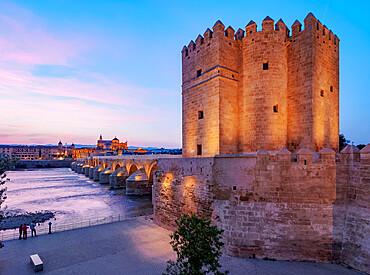Torre de la Calahorra (Calahorra Tower) on the Roman Bridge at dusk, UNESCO World Heritage Site, Cordoba, Andalusia, Spain, Europe