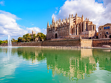 The Cathedral of Santa Maria of Palm or La Seu, Palma de Mallorca, Majorca, Balearic Islands, Spain