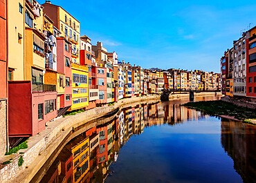 Colourful houses reflecting in the Onyar River, Girona or Gerona, Catalonia, Spain