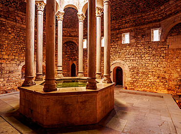 Arab Baths, interior, Old Town, Girona or Gerona, Catalonia, Spain