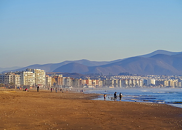 Beach in La Serena, view towards Coquimbo, Coquimbo Region, Chile, South America