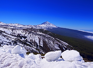 Teide National Park covered with snow, UNESCO World Heritage Site, Tenerife Island, Canary Islands, Spain, Europe