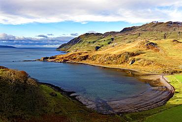 View of the sandy bay Camas nan Geall Sgeir Fhada along the coast and shoreline of Loch Sunart, Ardnamurchan Peninsula, Highlands, Scotland, United Kingdom, Europe - 1246-9