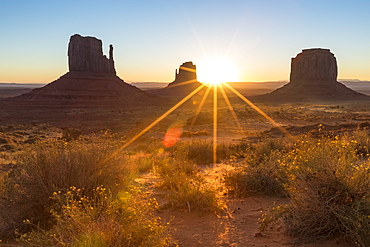 Sunrise at Monument Valley, Navajo Tribal Park, Arizona, United States of America, North America