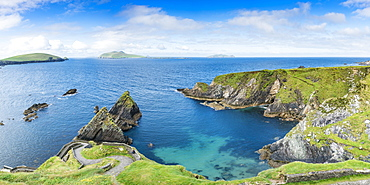 Dunquin pier, Dingle Peninsula, County Kerry, Munster province, Republic of Ireland, Europe