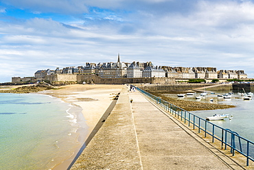 The town seen from the pier, St. Malo, Ille-et-Vilaine, Brittany, France, Europe