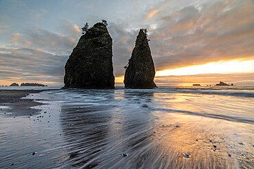 Sunset at Rialto Beach, La Push, Clallam county, Washington State, United States of America, North America