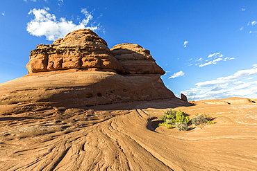 Rock formation on the way to Delicate Arch, Arches National Park, Moab, Grand County, Utah, United States of America, North America