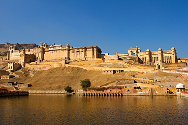 Amber Fort overlooking Maota Lake, Jaipur, Rajasthan, India, Asia