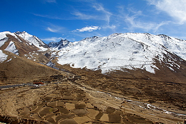 Mountain landscape of Southern Tibet, Himalayas, China, Asia