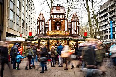 One of Hamburg's Christmas Markets (Weihnachtsmarkt), Hamburg, Germany, Europe