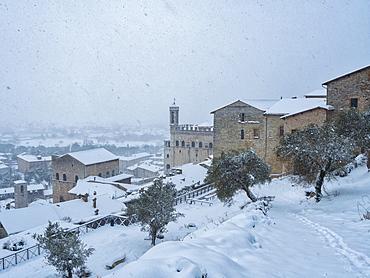 Consoli's Palace in winter, Gubbio, Umbria, Italy, Europe