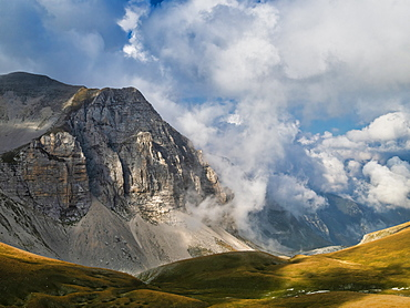 Monte Vettore in Sibillini Mountains, Italy, Europe