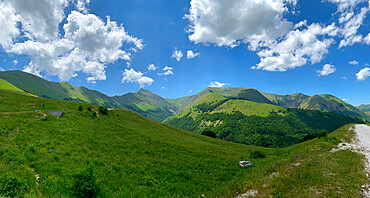Sibillini mountain range from Fargno Pass National Park, Apennines, Tuscany, Italy, Europe