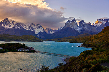 Lake Pehoe and Los Cuernos del Paine, Torres del Paine National Park, Ultima Esperanza Province, Magallanes and Chilean Antactica Region, Patagonia, Chile, South America