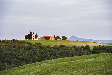 Vitaleta church at sunset, San Quirico, Val d'Orcia (Orcia Valley), UNESCO World Heritage Site, Tuscany, Italy, Europe