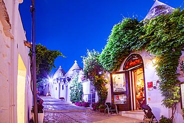 Trulli houses, Alberobello, UNESCO World Heritage Site, Apulia, Italy, Europe