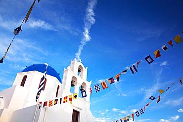 Traditional Greek village of Oia, Santorini, Cyclades, Greek Islands, Greece, Europe