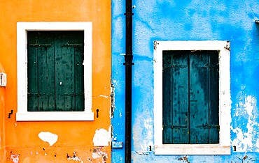 Brightly colored fishermen's houses in Burano, Metropolitan City of Venice, Veneto, Italy, Europe