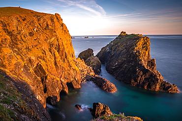 Kynance Cove in late evening, Lizard National Nature Reserve, Lizard Peninsula, Cornwall, England, United Kingdom, Europe
