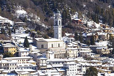 Church of the village of Clusone in winter, Clusone, Val Seriana, Bergamo province, Lombardy, Italy, Europe