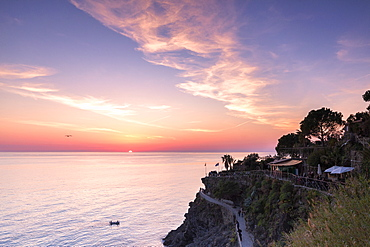 Sunset on the sea above the panoramic footpath of Manarola, Cinque Terre, UNESCO World Heritage Site, Liguria, Italy, Europe