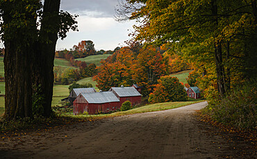 Classic view of the Jenne farm in a fall morning, Vermont, New England, United States of America, North America