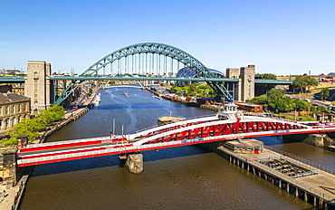 River Tyne, Swing Bridge, Tyne Bridge and Church of St. Willibrord, Newcastle, Tyne and Wear, England, United Kingdom, Europe