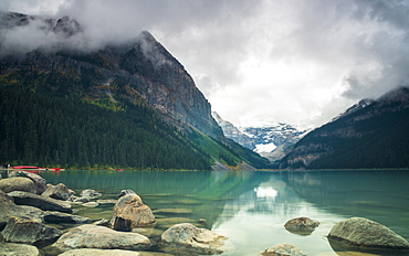 Cloudy Lake Louise, Banff National Park, UNESCO World Heritage Site, Alberta, Rocky Mountains, Canada, North America
