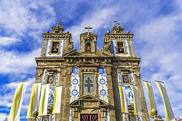 Facade of Igreja de Santo Ildefonso (Church of St. Ildelfonso) with azulejo blue and white painted ceramic tiles, Porto, Portugal, Europe