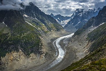 Mer de Glace, the largest glacier in France, 7km long and 200m deep flowing into the Chamonix Valley, Haute Savoie, French Alps, France, Europe