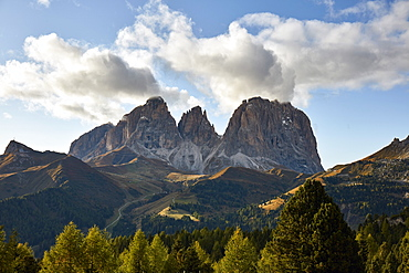Langkofel mountain in early fall in the Dolomites, South Tyrol, Italy, Europe