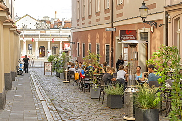 Cafe scene, Old Town, Poznan, Poland, Europe - 1297-1254
