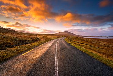 Sunset in Connemara Natural Park, Connemara, County Galway, Connacht, Republic of Ireland, Europe