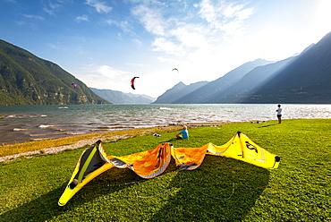 Kitesurfing on Lake Idro, Valle Sabbia, Brescia province, Lombardy, Italy, Europe