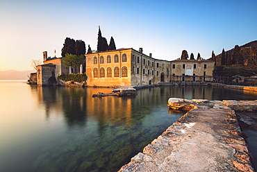 Punta San Vigilio at sunset, a beautiful resort on Lake Garda, Verona province, Veneto, Italian Lakes, Italy, Europe