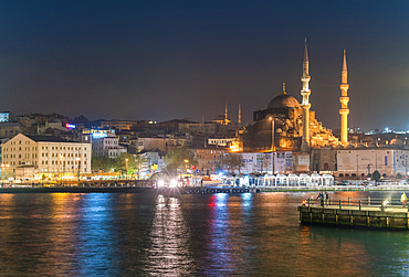 Eminonu with mosques, viewed from the Bosphorus, Istanbul, Turkey, Europe