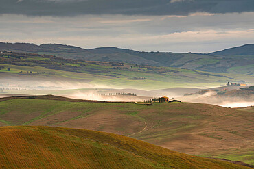View of San Quirico d'Orcia, Val d'Orcia, UNESCO World Heritage Site, Tuscany, Italy, Europe