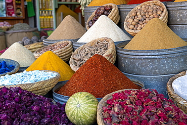 Colourful display of spices in spice market (Rahba Kedima Square) in the souks of Marrakech, Morocco, North Africa, Africa